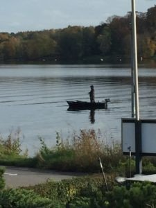 Ein Wochenende im Schlosshotel Hugenpoet - Angler auf dem Baldeney See
