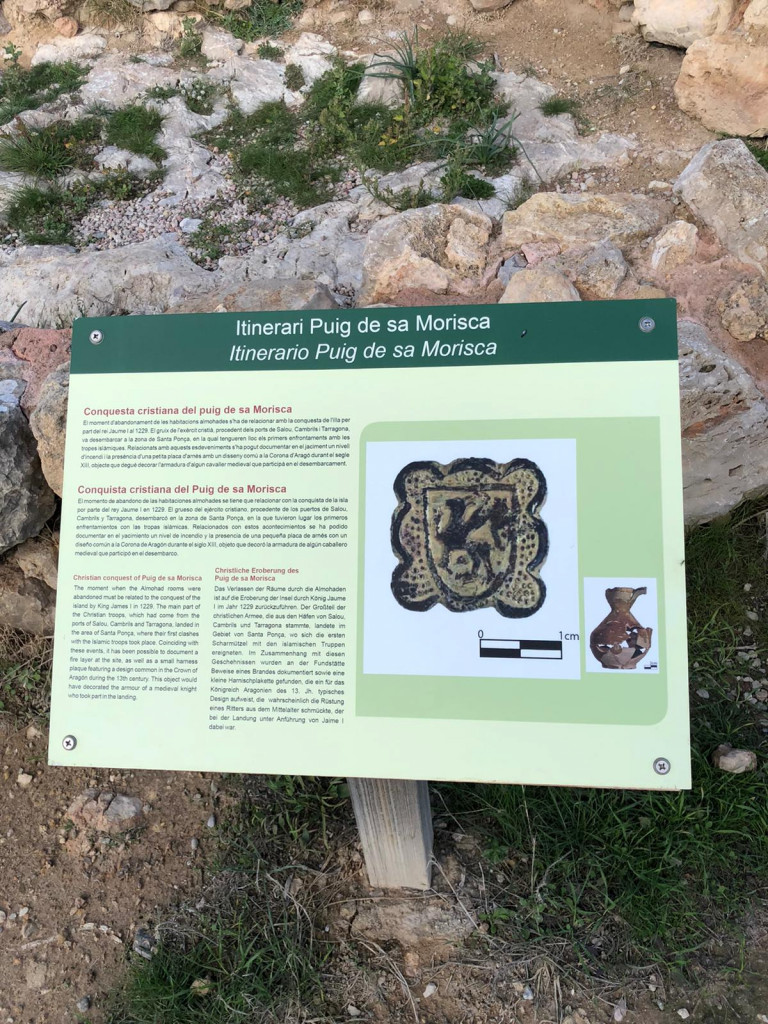 Auf in die Steinzeit zum Puig de Sa Morisca - Tafeln mit Erklärungen