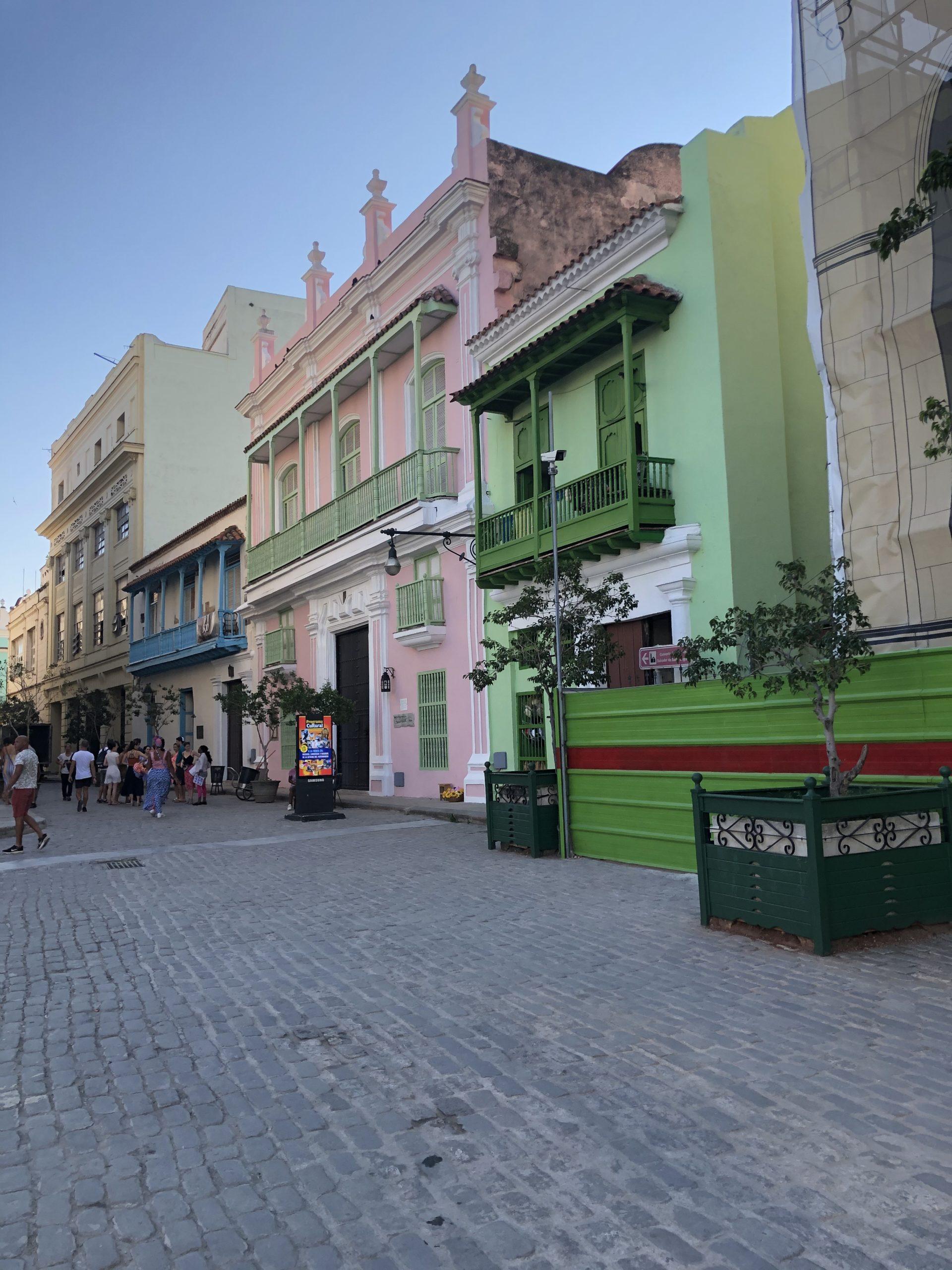 ADAC-Reiseführer Kuba-Bunte Perle der KaribikHavanna Rundgang