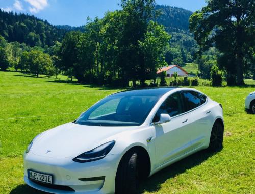 Achtung E-Auto voraus, Probefahrt Tesla Model 3