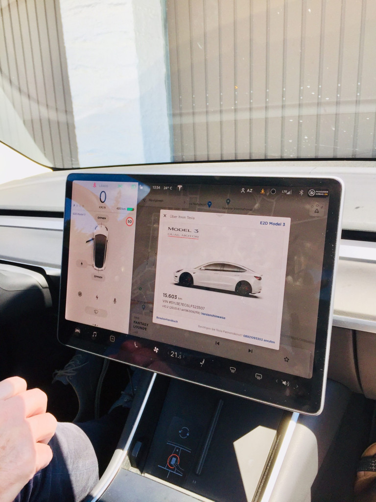 Achtung E-Auto voraus - der Bildschirm beherrscht alles