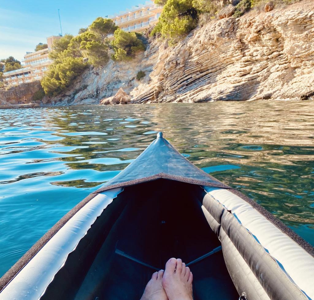 Kajak fahren an Mallorcas Küste - ganz relaxed