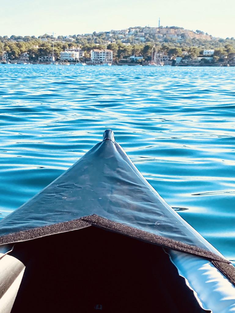 Kajak fahren an Mallorcas Küste - sicher und stabil