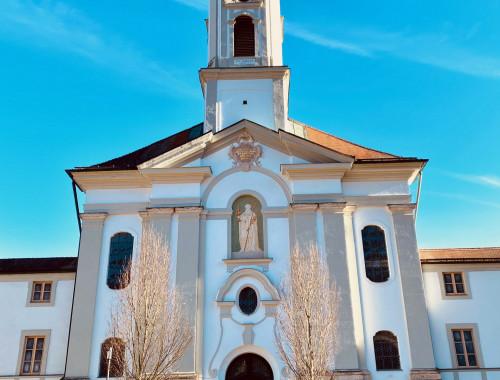 Wandern am Isarkanal: vom Kloster Schäftlarn zum Ickinger Stauwehr