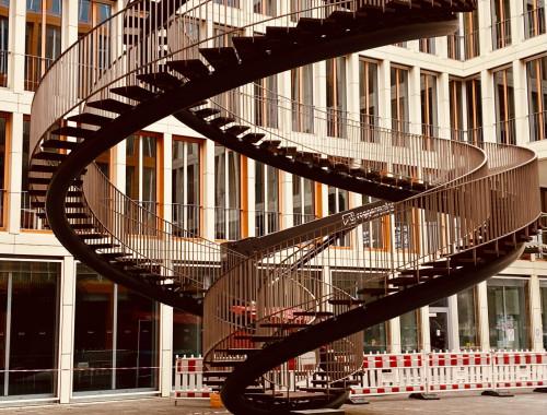 Die endlose Treppe - fast unbekannte Kunst in München