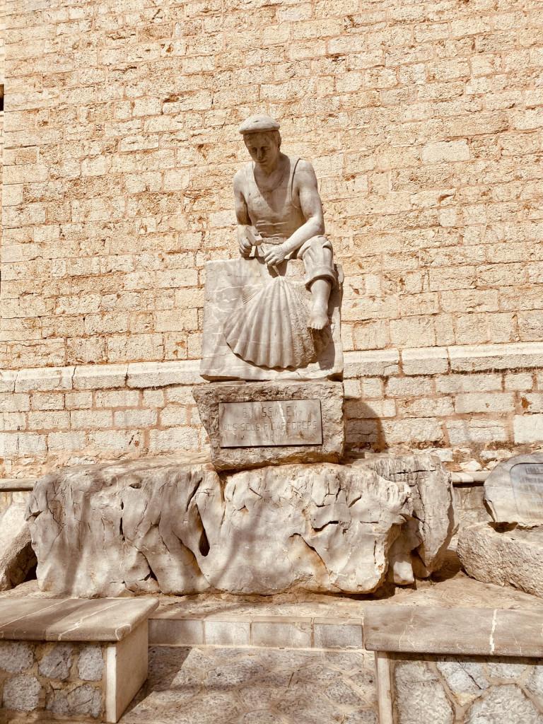 Binissalem - Statue zu Ehren der Steinmetze