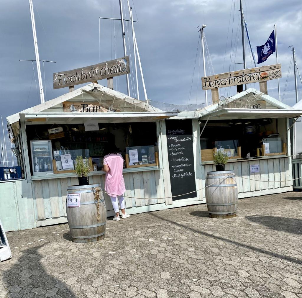 Wiedersehen mit Kiel - Fischbrötchen mit Abstand und luca-App-Anmeldung