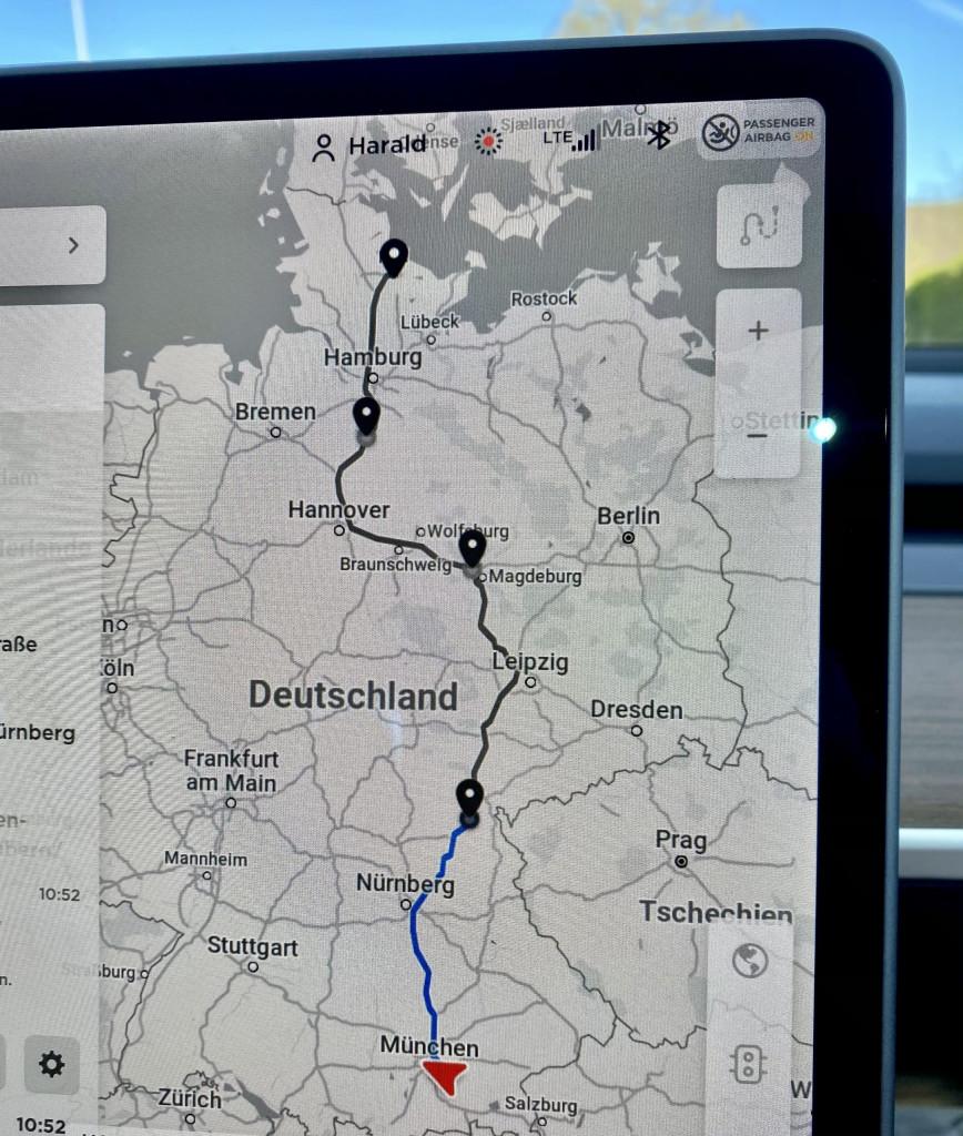 Im Tesla München-Kiel-München in 3 Tagen - der Bordcomputer sagt, wo´s langgeht