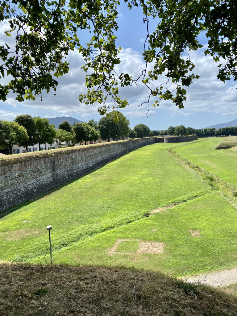 Geheimtipp Lucca - der Schutzwall von außen