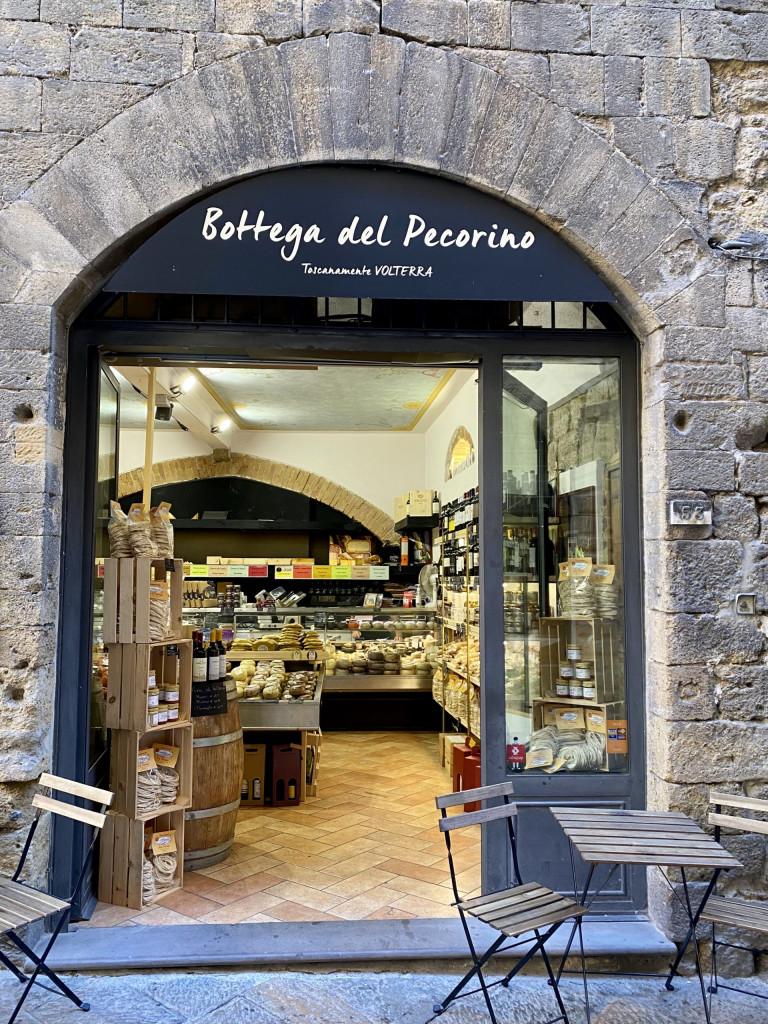 Bottega del Pecorino in Volterra