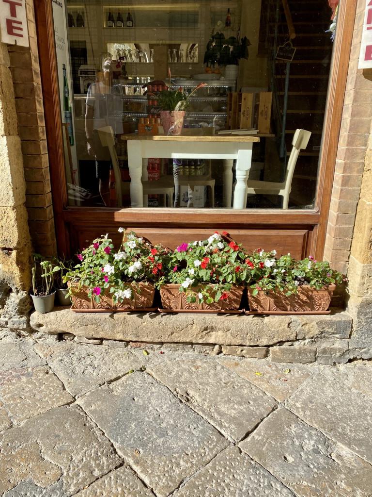 Juwel Volterra - kleines Café
